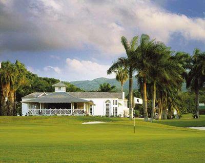 Half-moon-golf-club