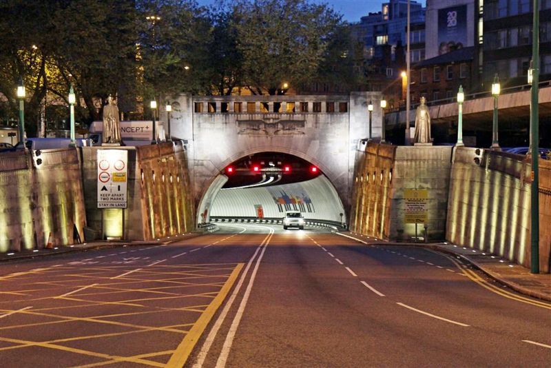 Queensway_Road_Tunnel_Entrance,_Liverpool